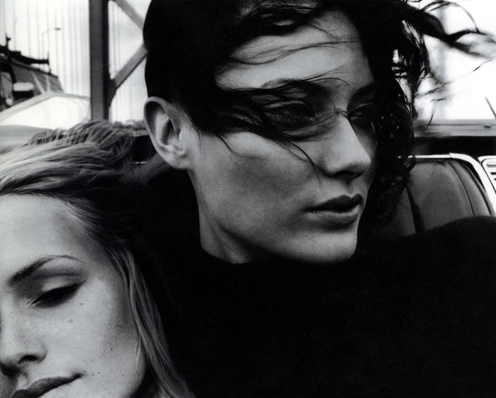 Amber Valletta e Shalom Harlow by Craig McDean
